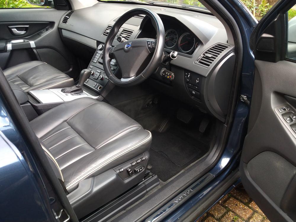 Volvo XC90 interior Platinum valet