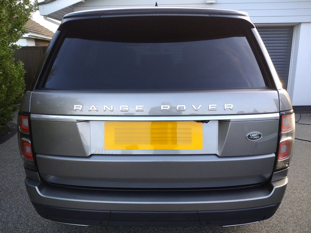 Range Rover Vogue clean and dry