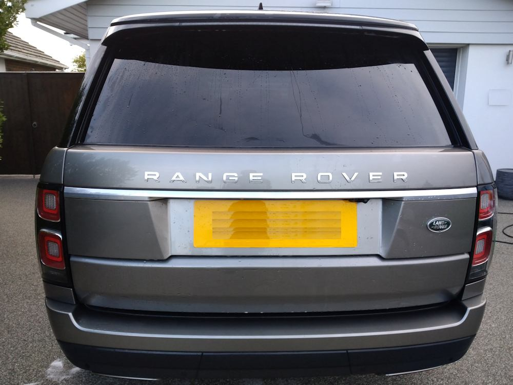 Range Rover Vogue clean but wet